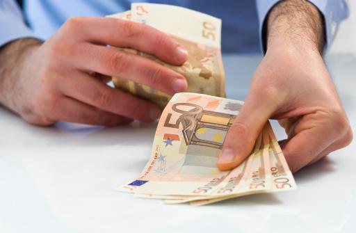 Kan ik geld lenen voor schulden
